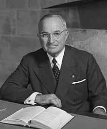220px-Harry_S_Truman_-_NARA_-_530677_(2)